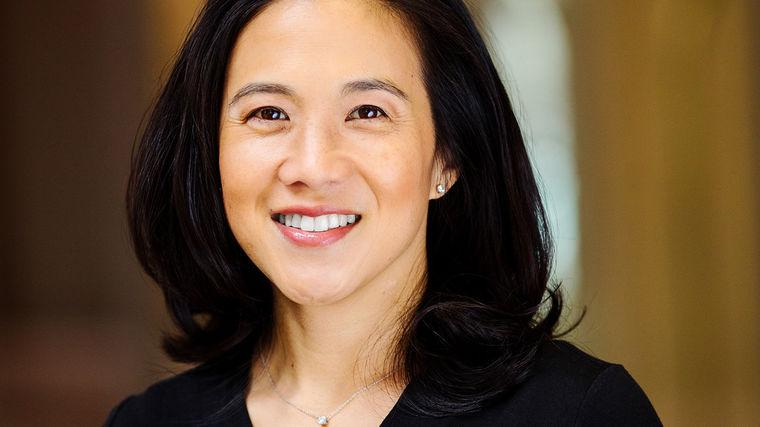 Angela Duckworth | Author of Grit, the #1 New York Times Bestseller | Pioneering Researcher on Grit, Perseverance, and the Science of Success